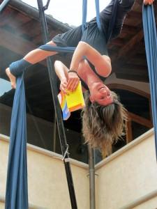 Lettura acrobatica alla Biblioteca Fucini di Empoli