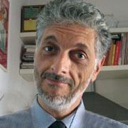 Foto di Massimo Coen Cagli, docente del corso sul fundraing in biblioteca